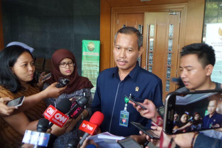 Kepala Humas Pengadilan Tipikor Jakarta, Ibnu Basuki di Pengadilan Tipikor Jakarta, Kamis (7/12/2017).