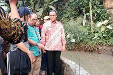 Tinjau Tanggul Jebol di Jatipadang, Anies Minta Sungai Selalu Dikeruk
