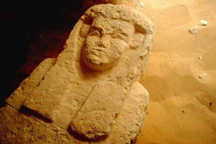 Sarkofagus ini ditemukan di sebuah makam Ptolemeus di daerah yang dikenal sebagai El-Kamin El-Sahraw, di Provinsi Nim, Lembah Minya, selatan Kairo.