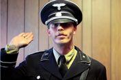 Lelaki Pencinta Nazi Ini Resmi Ubah Namanya Jadi Hitler