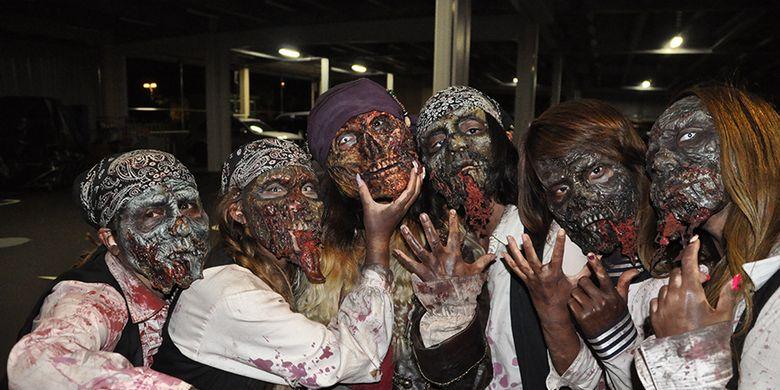 Festival yang berlangsung mulai 30 September hingga 31 Oktober ini memperbolehkan setiap pengunjung untuk menggunakan kostum karakter tertentu.