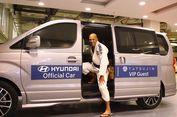 Legenda UFC Royce Gracie dan Hyundai H-1 Royale CRDi