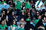 Sejarah Baru, Kaum Hawa Penuhi Stadion King Fahd di Riyadh...