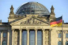 Beri Hormat Ala Hitler di Muka Reichstag-Berlin, 2 Turis China Dibekuk