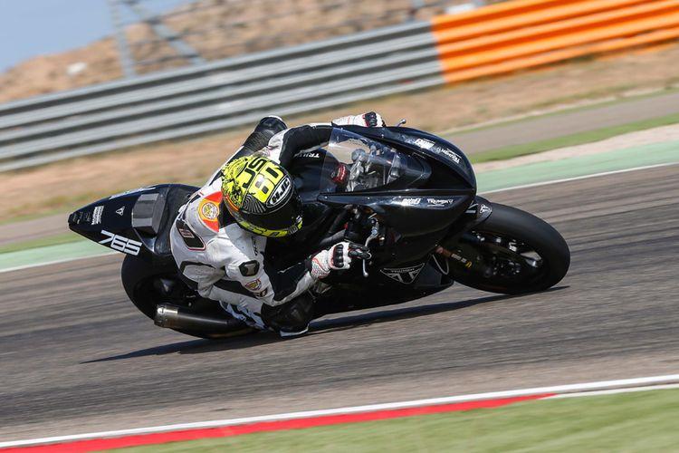 Julian Simon dipercaya menggeber prototipe Triumph untuk Moto2.