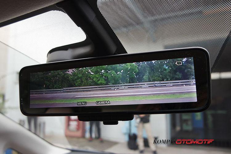Spion pada Nissan Note e-Power, bisa menampilkan pandangan belakang dan 360 derajat.