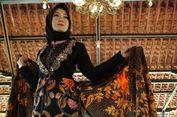 Octi Eks JKT48 Pamerkan Batik Khas Kabupaten Probolinggo