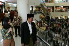 Bersarung dan Berpeci, Jokowi Jalan-jalan di Lombok Epicentrum Mal