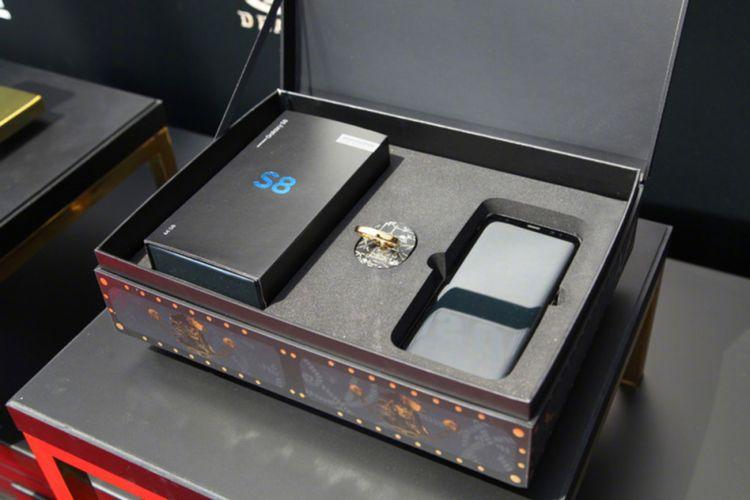 Galaxy S8 edisi Pirates of the Caribbean datang dalam kotak khusus mirip peti harga karun.