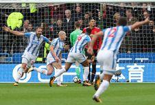 Pemain Huddersfield Town Bicara soal Kelemahan Man United