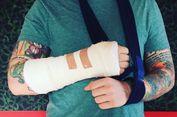 Ed Sheeran Tak Tahu Tangannya Retak Saat Jatuh dari Sepeda