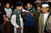 Dedi Mulyadi Bantu Warga Miskin di Dekat Perumahan Elite Ridwan Kamil