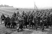 Hari Ini dalam Sejarah: Uni Soviet Akui Dalangi Pembantaian Katyn