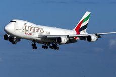 Pramugari Emirates Tepergok Memasukkan