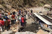 44 Orang Tewas akibat Bus Terjun ke Sungai di India