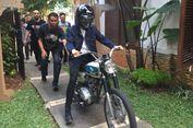 Sambil Naik Motor, Iqbaal 'CJR' Diperkenalkan sebagai Pemeran Dilan