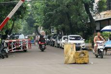 Bolehkah Mobil Pribadi Parkir di Pinggir Jalan Perumahan Berportal?