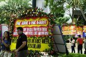 Karangan Bunga di Balai Kota DKI Jakarta Tarik Perhatian Wisman