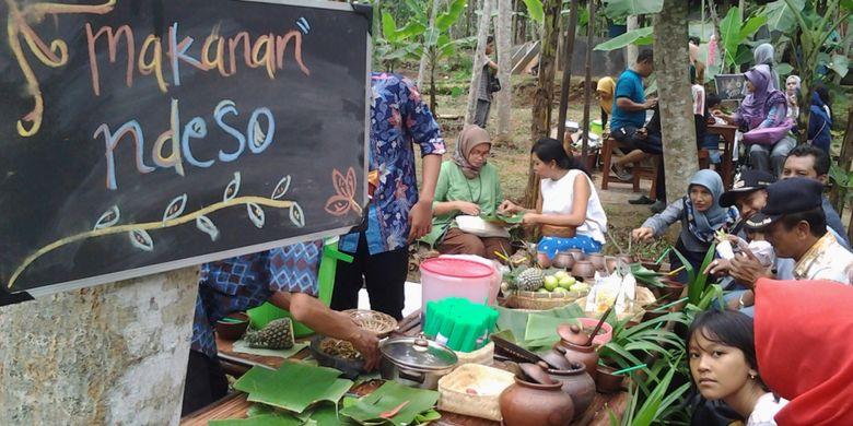 Makanan khas ndeso di Radja Pendapa, Kendal, Jawa Tengah.