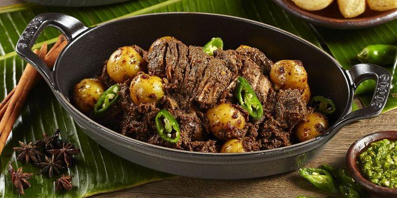 Hidangan ala Sumatera Barat untuk peringati kemerdekaan RI di Hotel Raffles Jakarta.