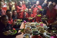 Kader PDI-P Makan Bareng Nasi Jamblang Usai Konsolidasi Pilkada Jabar