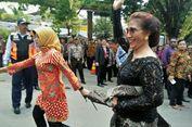 Cantiknya Menteri Susi Saat Hadiri Resepsi Putri Jokowi
