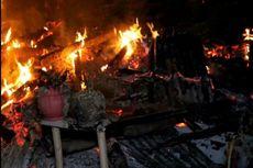 Rumahnya Terbakar, Aladin Pingsan usai Selamatkan 2 Ekor Kambing