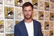 Chris Hemsworth Senang Palu Sakti Thor Hancur Berkeping-keping
