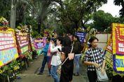 Berwisata Karangan Bunga di Balai Kota DKI Jakarta
