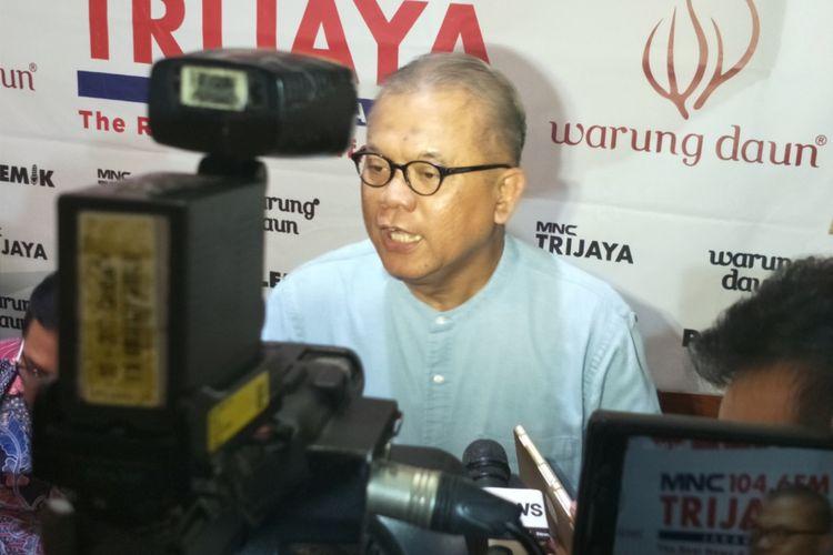 Pakar hukum pidana Abdul Fickar Hadjar dalam sebuah diskusi di kawasan Cikini, Jakarta Pusat, Sabtu (18/11/2017).