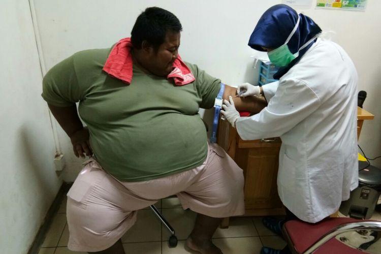 Proses Evakuasi Wanita Tergemuk di Kalteng, Sempat Sesak Nafas & Ditangani 16 Dokter Ahli