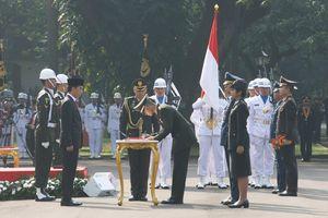 Perwira TNI-Polri Dilantik di Istana, Panglima Iri, Kapolri Terenyuh
