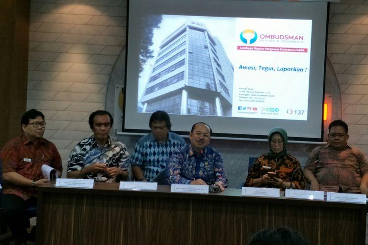Pimpinan Ombudsman di Kantor Ombudsman, Jakarta, Jumat (5/1/2018)