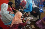 Di Banyuwangi, Mantan TKW Belajar 'Decoupage'