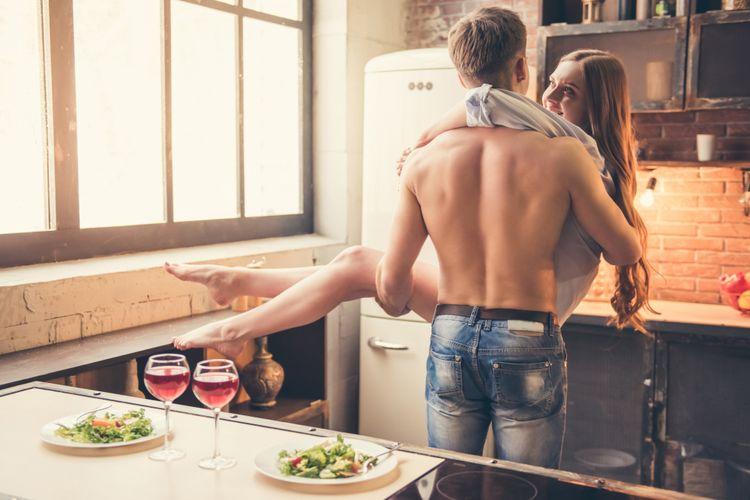 Pasangan di dapur
