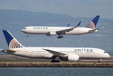 United Airlines Bermasalah Lagi, Kursi Penumpang Anak 'Direbut'