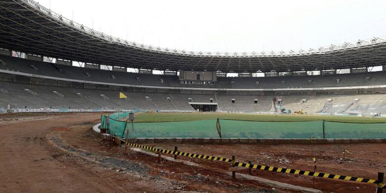 Renovasi Stadion Utama Gelora Bung Karno Senayan dikerjakan oleh PT Adhi Karya (persero) Tbk. Progresnya hingga Minggu (26/3/2017) sudah mencapai 33,8 persen.