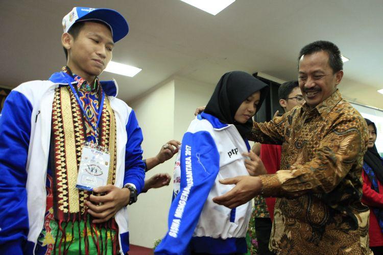 PT Perusahaan Gas Negara Tbk. (PGN) mendukung pertukaran pelajar nusantara dengan tujuan mengenalkan keberagaman budaya nusantara. Medio Juli ini, pelajar Lampung dan Banten akan saling belajar budaya satu sama lain dengan hidup secara langsung di daerah yang berbeda.