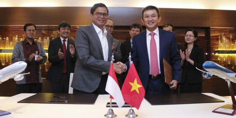 Garuda Indonesia dan maskapai penerbangan Vietnam, Vietnam Airlines menjalin kerja sama dalam bidang services, MRO (maintenance, repair and overhaul) dan kargo. Penandatanganan MoU dilakukan di Jakarta, Selasa (22/8/2017).