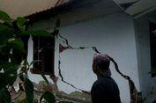 Kapal Berpenumpang 181 Orang Tabrak Kantor Syahbandar Kendari