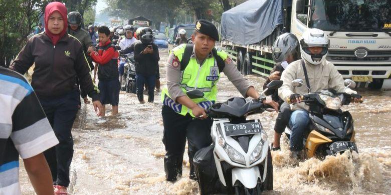 Banjir Rancaekek, Deddy Mizwar Minta Warga Sabar