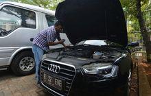 Lelang Mobil Sitaan KPK Ditawarkan Apa Adanya