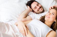 Berapa Lama Normalnya Ketahanan Bercinta Pria?
