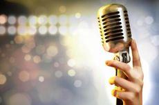 China Manjakan Warga Lanjut Usia dengan Karaoke