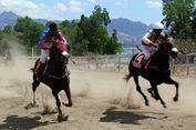 Mau Nonton Lomba Pacuan Kuda di Pinggir Pantai? Kunjungi Pulau Timor