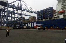 Jadi 'Transhipment Port', Dermaga JICT Terus Dikeruk