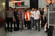 Keluar Dari KPK, Novanto Sudah Tak Pakai Kursi Roda Lagi