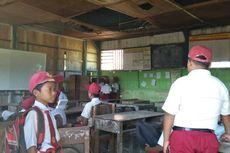Sekolah Rusak, Bocor Setiap Hujan, tetapi Belajar Jalan Terus