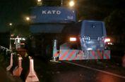 Mobil 'Crane' yang Bikin Macet Tol Jakarta-Cikampek Sudah Dipindahkan