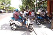 Sudah Antre di Rumah Jokowi, Warga Gigit Jari Tak Ada Paket Sembako